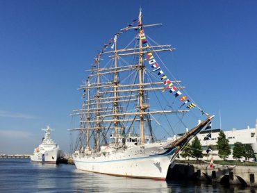 船酔い覚悟で海王丸体験乗船実習へ。しかし、台風接近で中止に・・・。