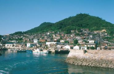島ログvol.14 斜面に建つ漁師の家々「男木島」