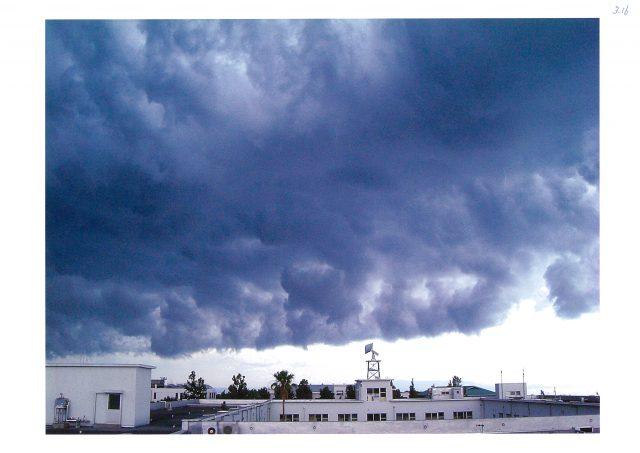 """「危険な黒い雲」""""ダウンバースト""""ってどんな現象?"""
