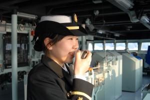 現役自衛官へのインタビュー 海上自衛隊 掃海母艦うらが 通信士 塩谷 萌 3等海尉